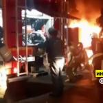 В Барнауле ночью на парковке сгорели два грузовика