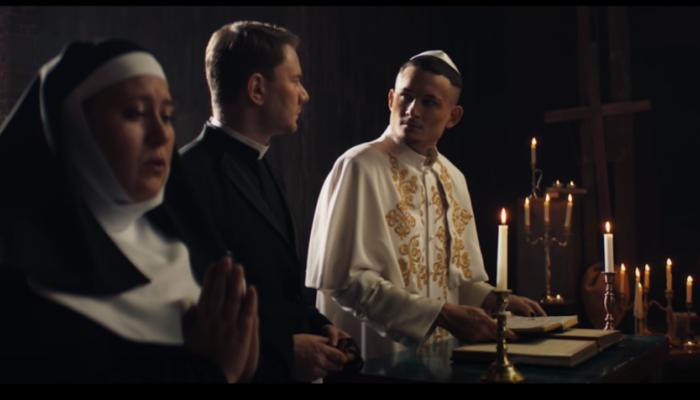 РПЦ раскритиковала танцы Моргенштерна в интерьерах храма