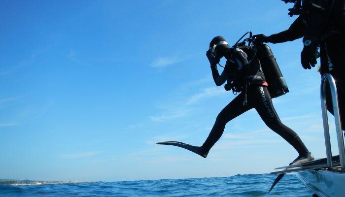 На Телецком озере открыли первую в стране подводную туристическую тропу