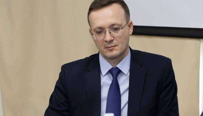 Томенко попросил Гилева лучше объяснять, чтобы не вызывать усмешку журналистов