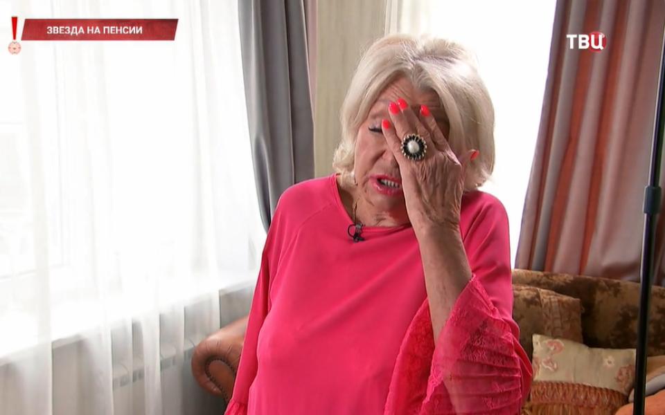 Вдова Николая Караченцова пожаловалась на пенсию в 53 тысячи рублей