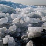 Дворы в крупном алтайском селе топит из-за гигантского затора льда на Ануе