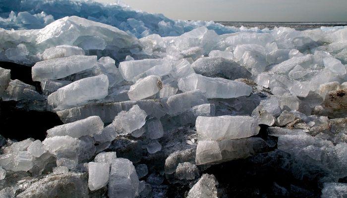 Барнаульцы заметили первые подвижки льда на реке Обь