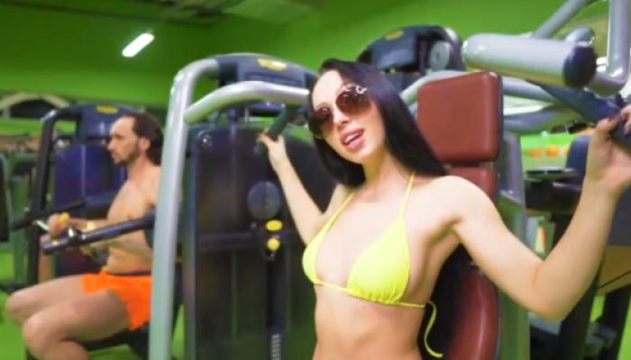Мерзко и убого: в Сети раскритиковали новый ролик барнаульского фитнес-клуба