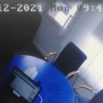 Не дергайся. Я ковидный: появилось видео налета на офис микрозаймов в Барнауле