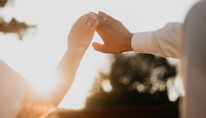 В 2021 году жители Алтайского края больше женятся и меньше разводятся