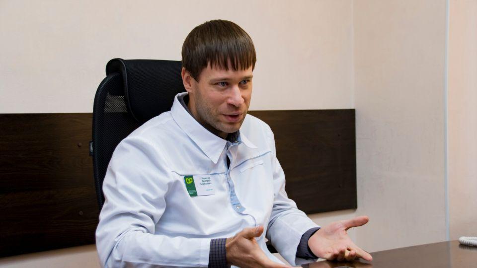 Главный врач барнаульской поликлиники №14 Дмитрий Денисов