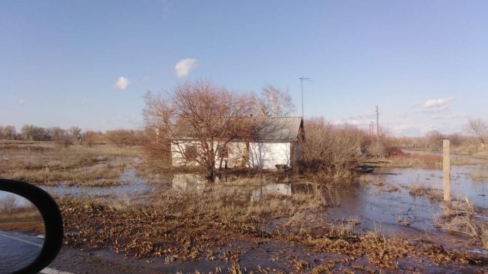 Жители Новомихайловки Локтевского района пожаловались на подтопление