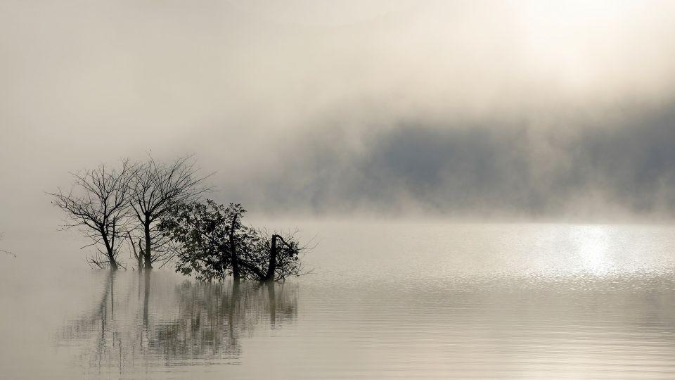 Вода. Озеро