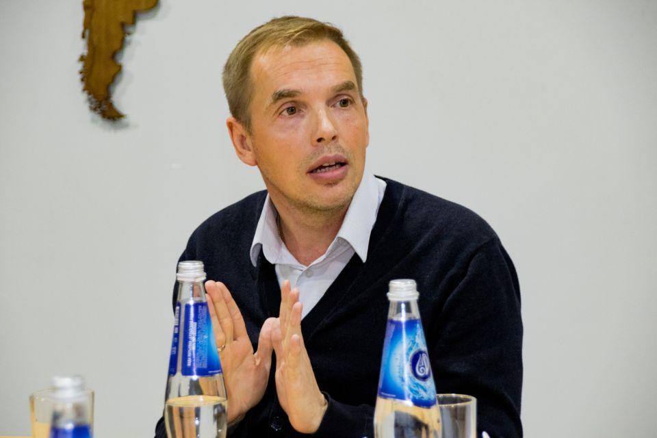 Александр Молотов