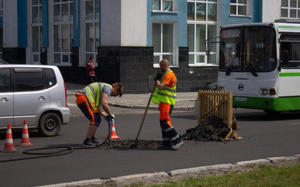 Более 100 участков дорог отремонтируют в Алтайском крае в 2021 году