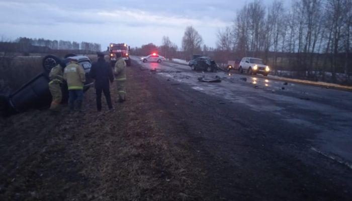 Появились кадры с места смертельной аварии в Алтайском крае