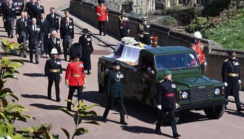 Англия и королева Елизавета попрощались с принцем Филипом