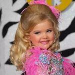 Кем стала американка Иден Вуд, выигравшая к шести годам 300 конкурсов красоты