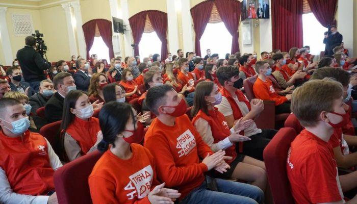 Более 6 тысяч волонтеров за год приняли участие в акции #МЫВМЕСТЕ на Алтае