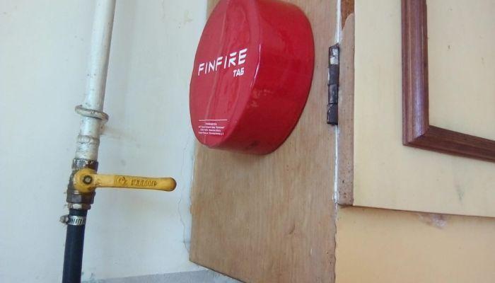 Пенсионерам алтайского поселка втридорога продают антипожарные таблетки
