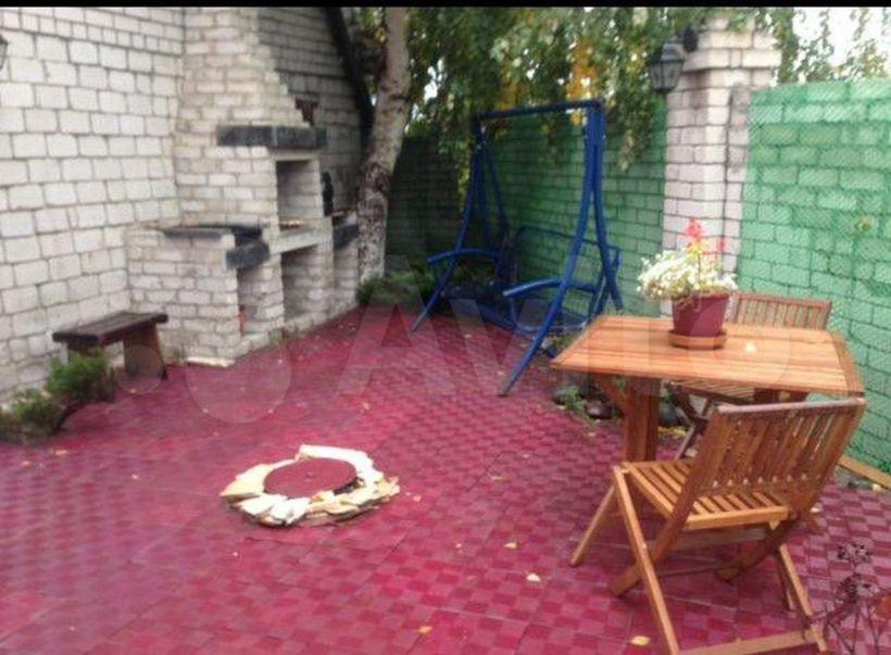 Коттедж с бассейном для рыб  Фото:Алтайский портал недвижимости