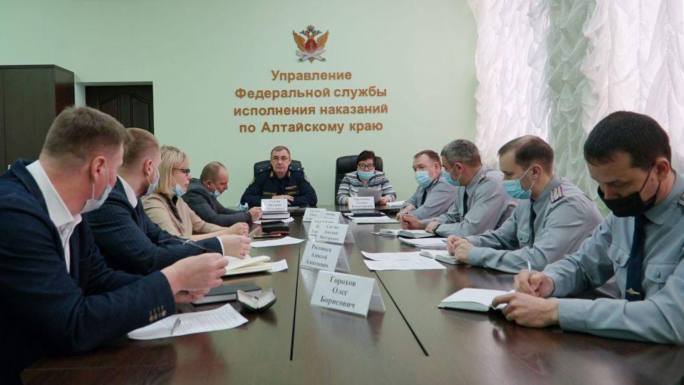 Круглый стол с адвокатами в краевом УФСИН.