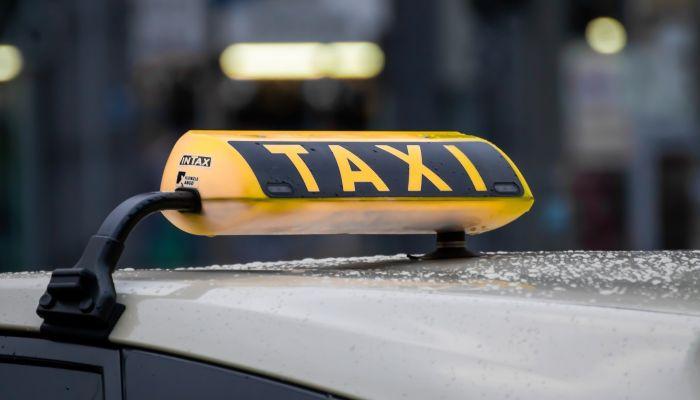 Российское такси может перейти на нелегальное положение из-за дорогого ОСАГО