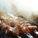 Почему в Алтайском крае запретят жарить шашлыки на майских праздниках