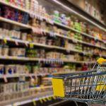 Цены на основные продукты в России опередили инфляцию в три раза