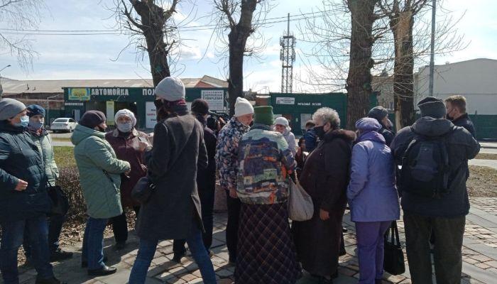 В Барнауле жильцы аварийных домов вышли на митинг