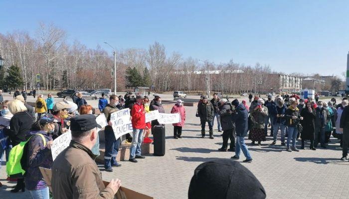 Барнаульцы вышли на митинг против точечной застройки