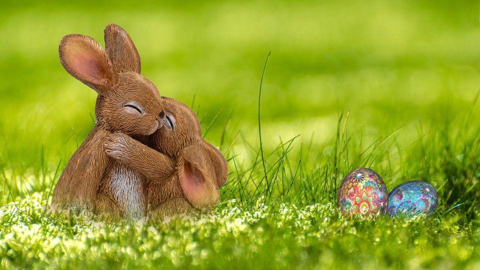 Пасхальные кролики. Яйца