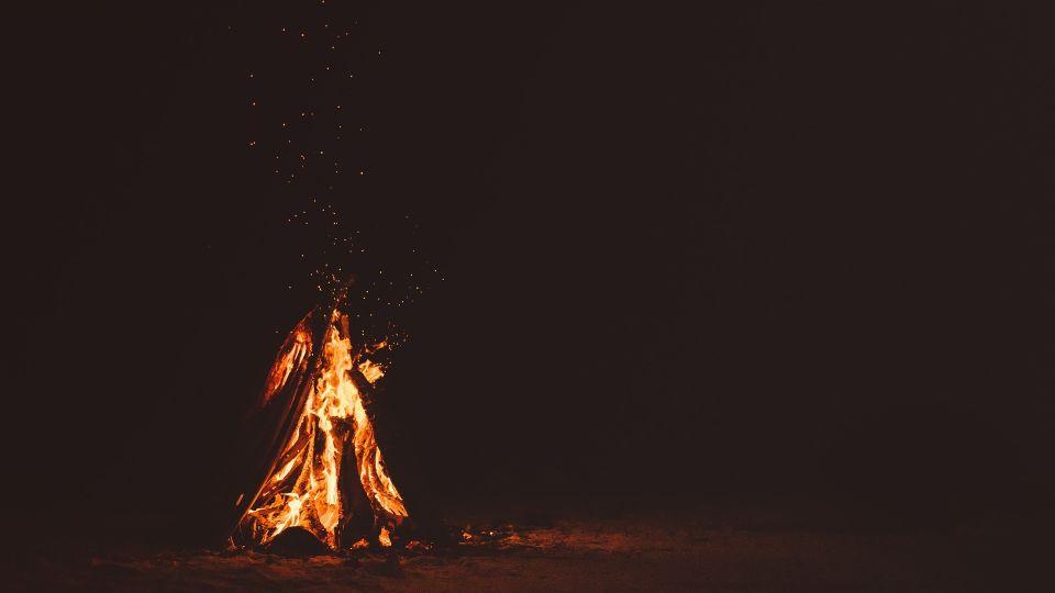 Костер. Пламя