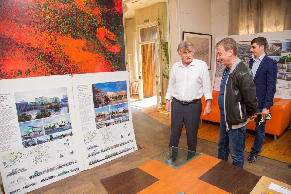 Встреча Вячеслава Франка с архитекторами Барнаула