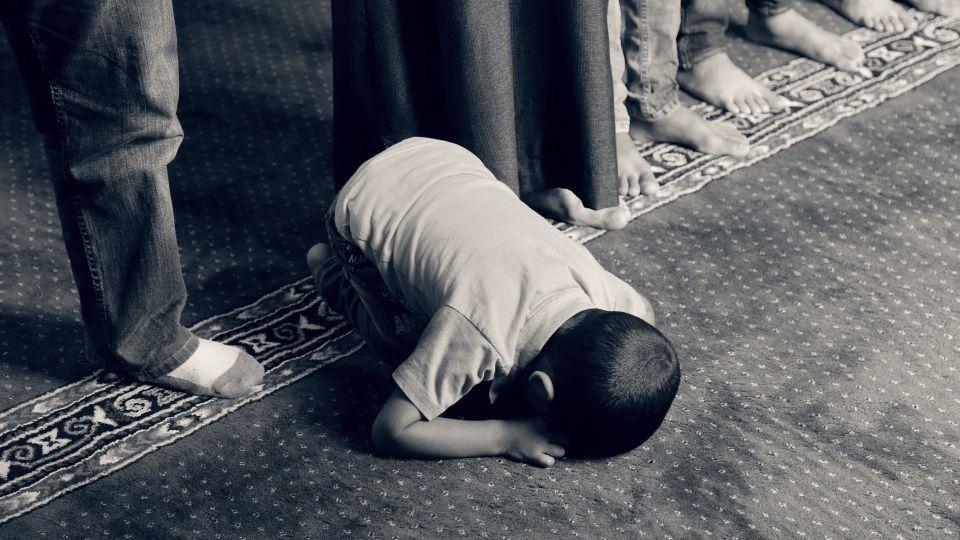 Мечеть. Молитва. Ребенок. Ислам