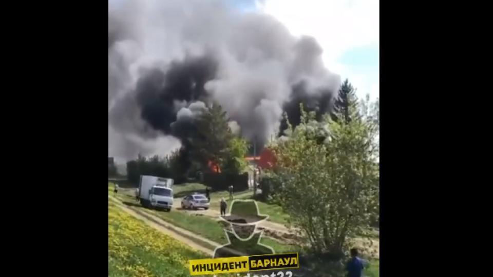 Дом. Пожар. Барнаул