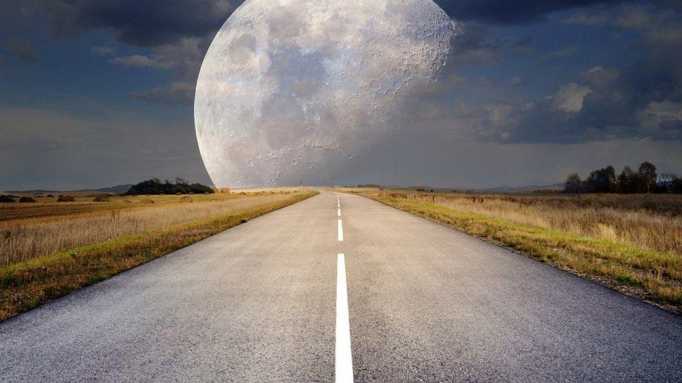 Полнолуние. Луна. Дорога