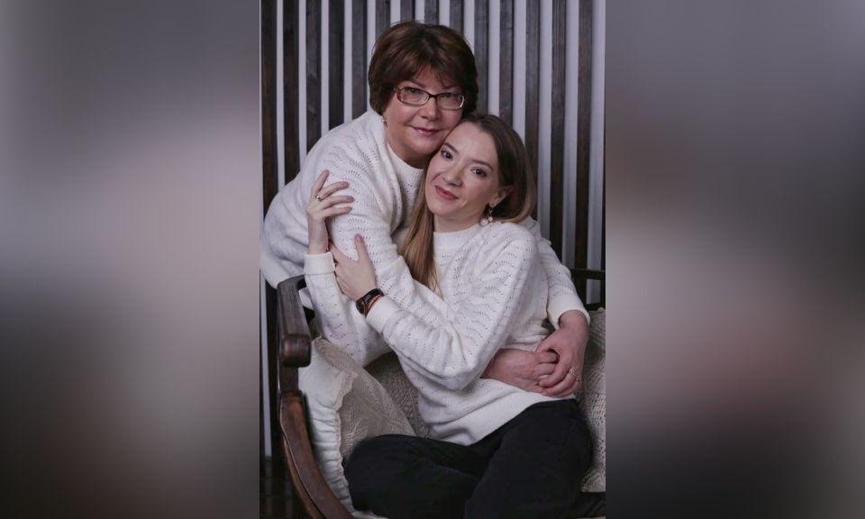 Ольга Гомлякова с мамой.