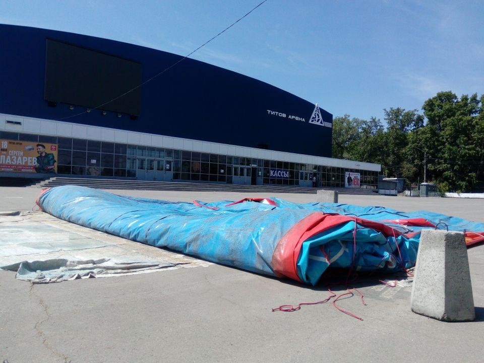 Хоть бы хны: надувные батуты в Барнауле работают после громкого ЧП у ТЦ «Район»