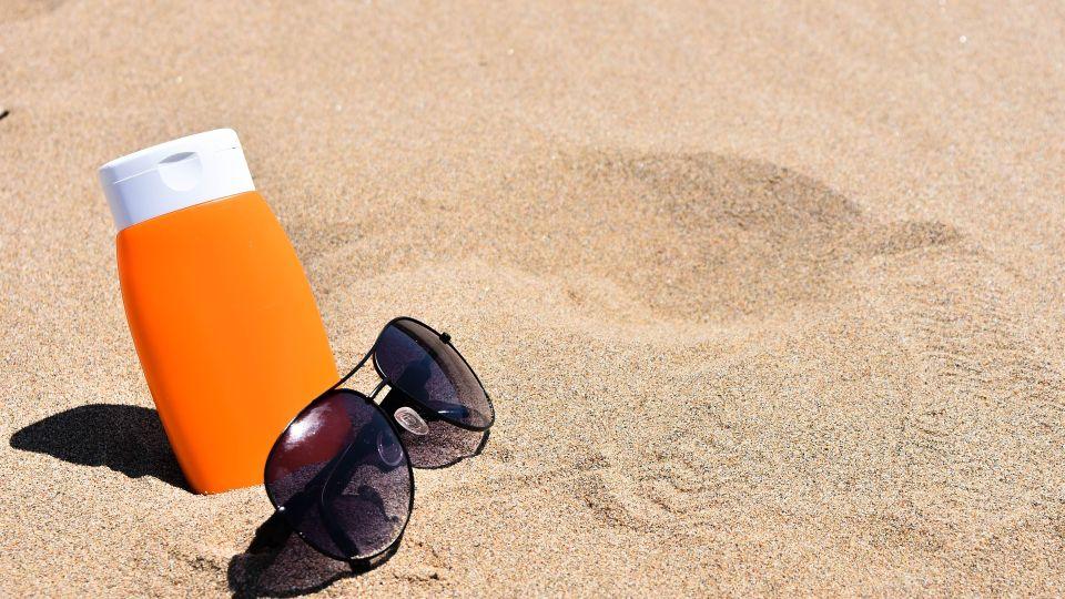 Пляж. Песок. Загар