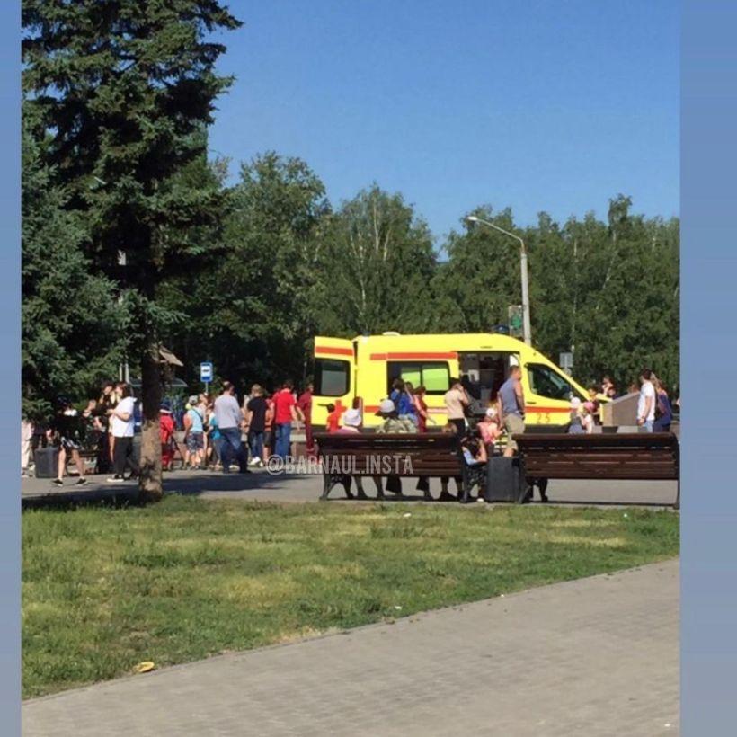 """Место происшествия Фото:""""Инцидент Барнаул""""/""""ВКонтакте"""""""
