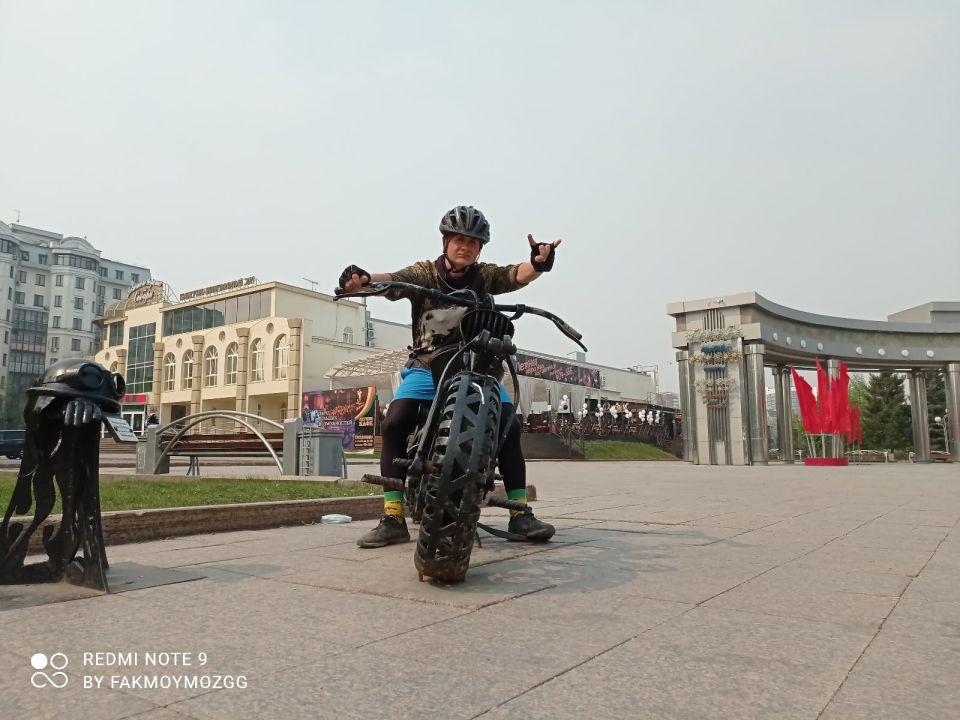 На пути из Балашихи во Владивосток велопутешественник заглянул в Барнаул