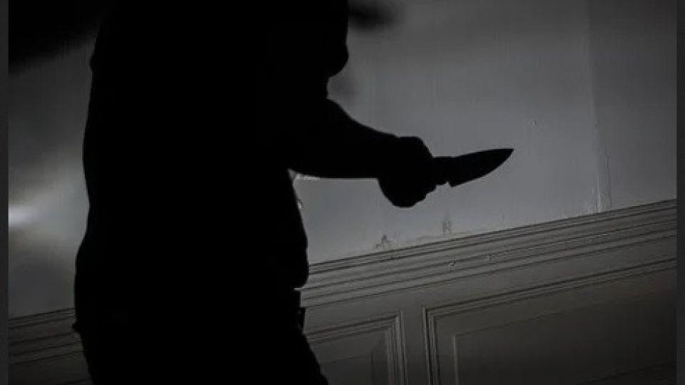 Покушение. Нож