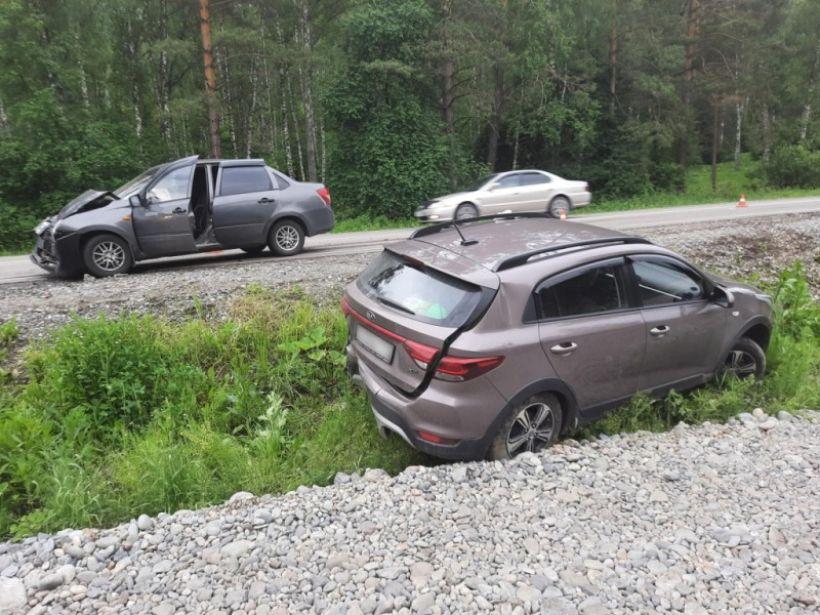 ДТП на Манжероке 14 июня Фото:МВД по Республике Алтай