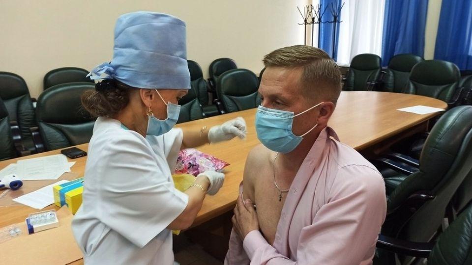 Вакцинация в мэрии Бийска