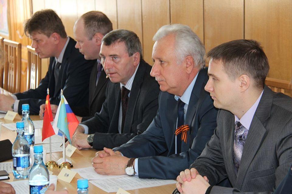 Уполномоченный по правам человека в Алтайском крае Борис Ларин многие годы возглавлял краевую федерацию волейбола