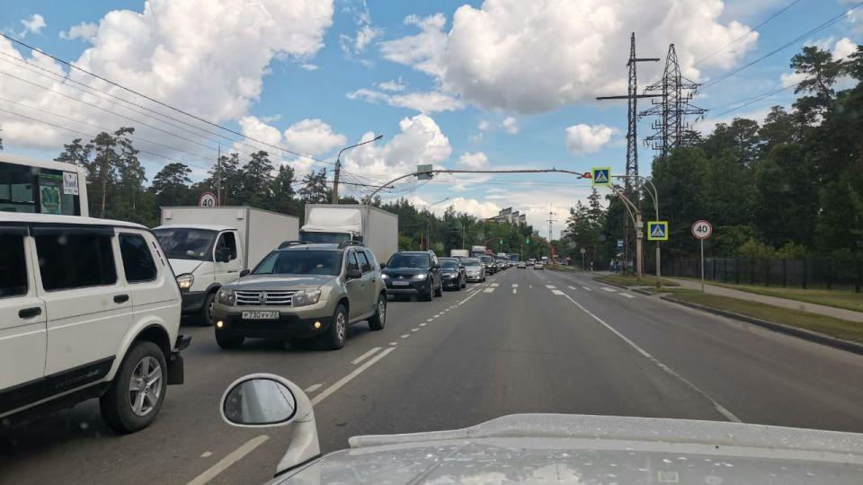 Пробка на Змеиногорском тракте, Барнаул