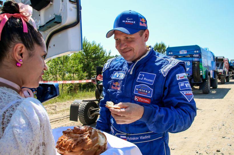 Ралли «Шелковый путь» в Алтайском крае вызвало большой зрительский интерес Фото:Виталий Барабаш